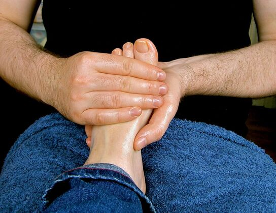 foot massage oxytocin