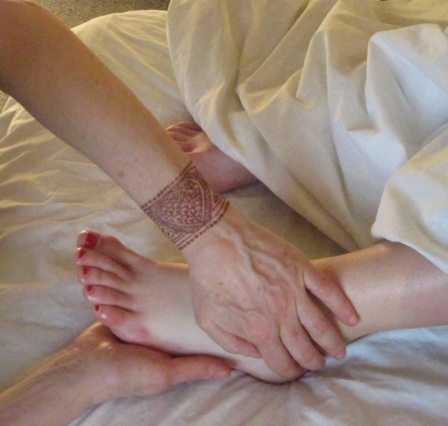 pregnant foot massage