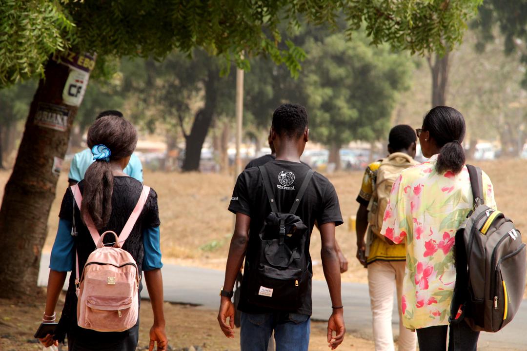 backpacks back pain teen students